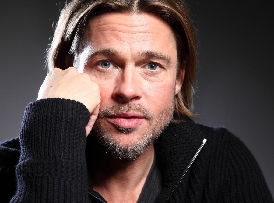 Boski Brad Pitt podobno... śmierdzi! Dokładnie tego słowa użyli współpracownicy opisując gwiazdora.