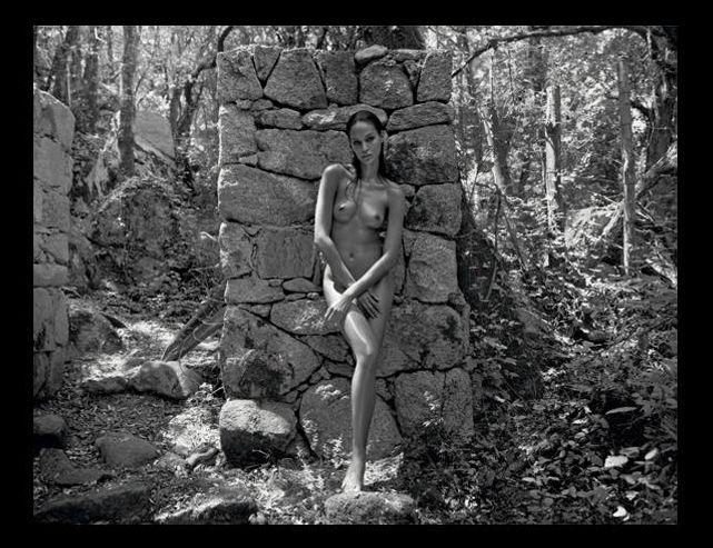 Joan Smalls - Kalendarz Pirelii 2012