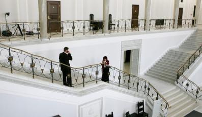 Posłanka PO i wicemarszałek Sejmu z ramienia Ruchu Palikota chcą powoływać Parlamentarną Grupę Kobiet. Ale każda po swojemu