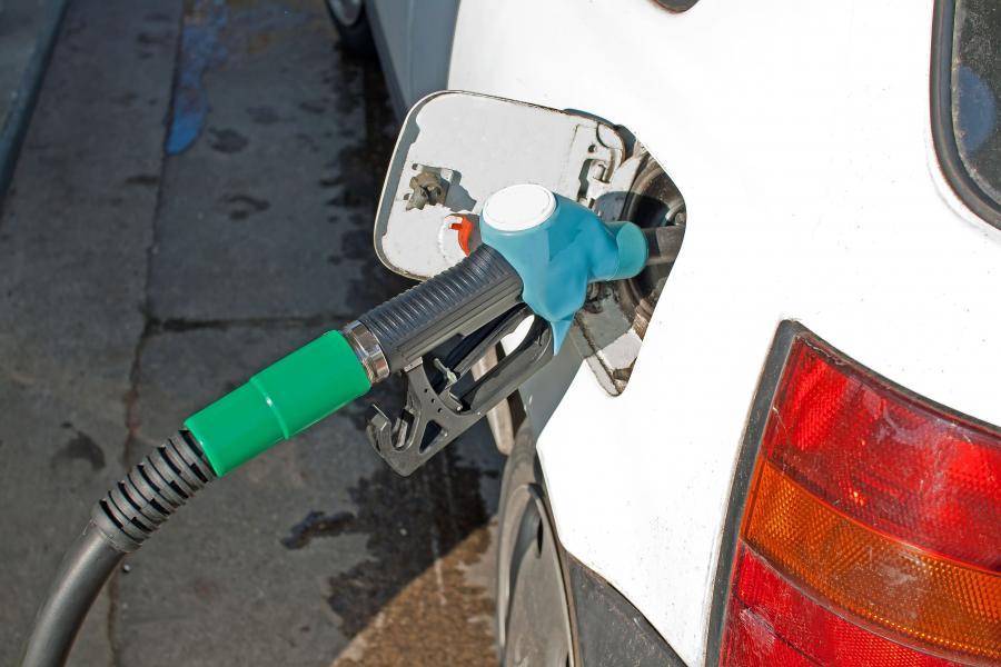 Diesel będzie tańszy od benzyny. Ale nie tani