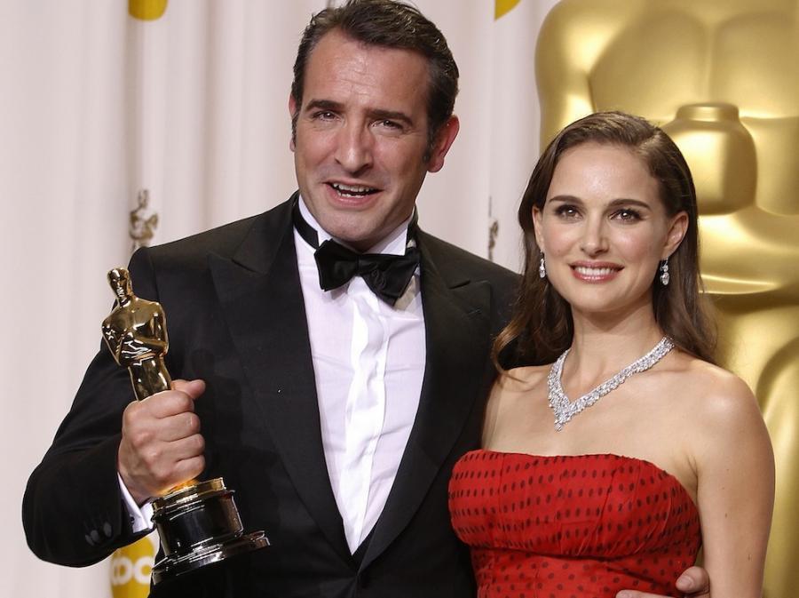 Oscarowa kreacja wręczała Oscara Jeanowi Dujardinowi