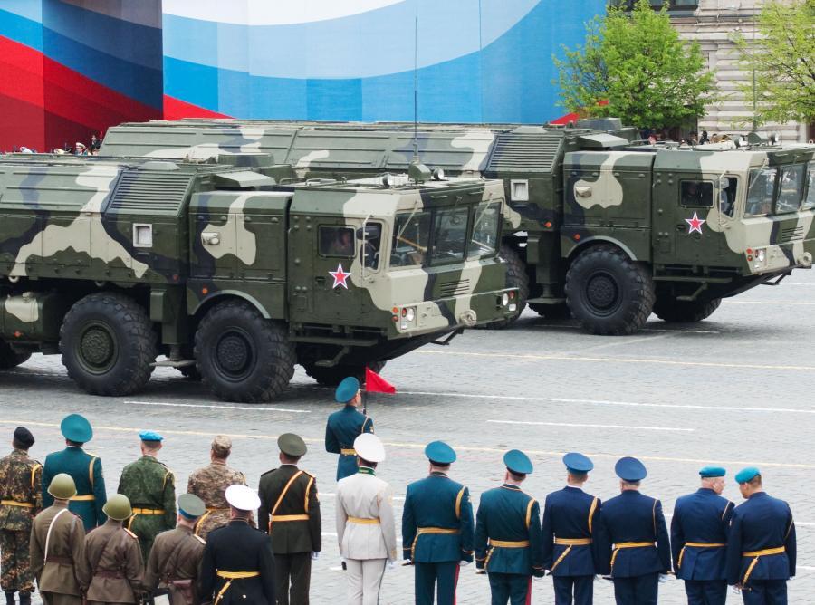 Rosyjska wyrzutnia rakiet Iskander w Moskwie