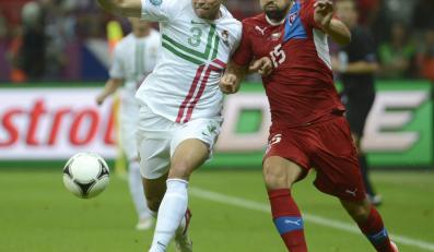 Milan Baros walczy z Pepe