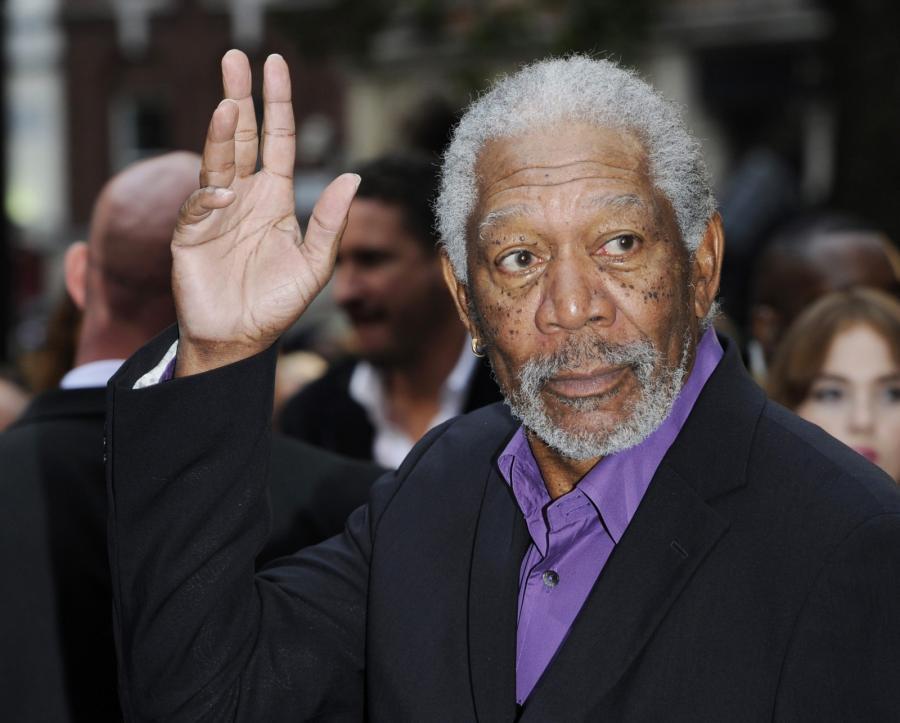 """Morgan Freeman na premierze filmu """"Mroczny rycerz powstaje"""" w Londynie"""