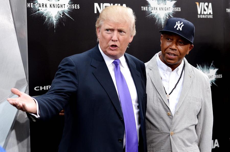 """Donald Trump i Russell Simmons na premierze filmu """"Mroczny rycerz powstaje"""" w Nowym Jorku"""