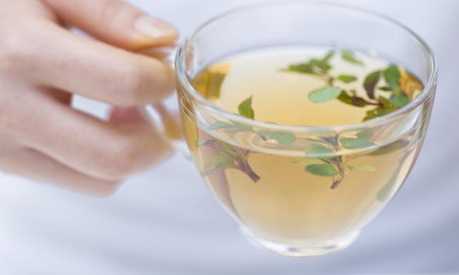 10 powodów dla których warto pić zieloną herbatę