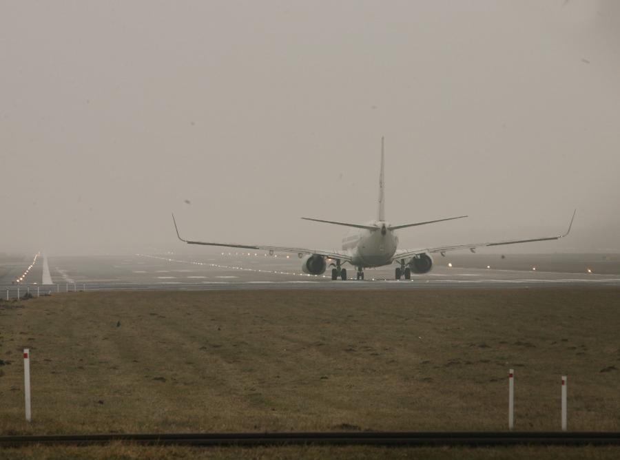 Mgła paraliżuje lotniska