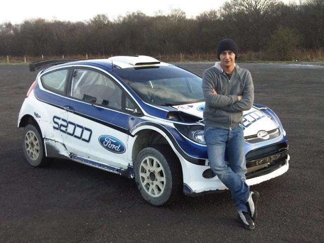 Michał Kościuszko, rajdowy wicemistrz świata juniorów 2009, w 2010 roku jako jedyny Polak zmierzy się z czołowymi zawodnikami świata. Kierowca z Krakowa zdecydował, że wystartuje w cyklach SWRC i WRC Fordem Fiestą S2000 przygotowanym przez zespół M-Sport. Nowe barwy to LOTOS Dynamic