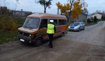29 pasażerów w 9-osobowym busie