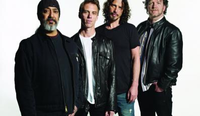"Soundgarden grają ""By Crooked Steps"""