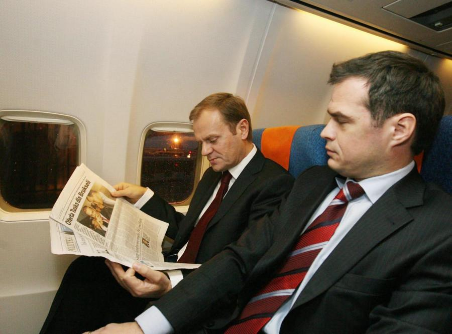 Donald Tusk poleciał do Brukseli rejsowym samolotem
