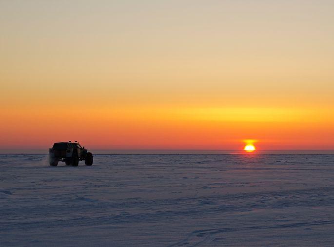 Samochodem po lodowej drodze? To nie lada wyzwanie