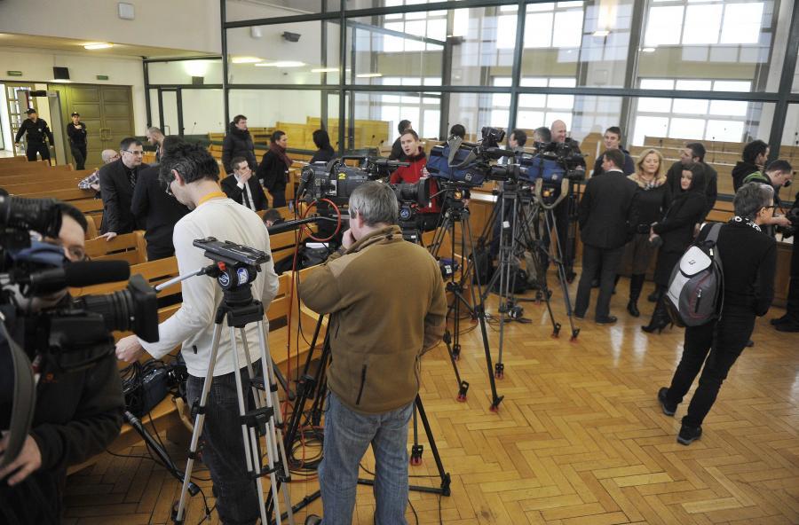 Dziennikarze na procesie