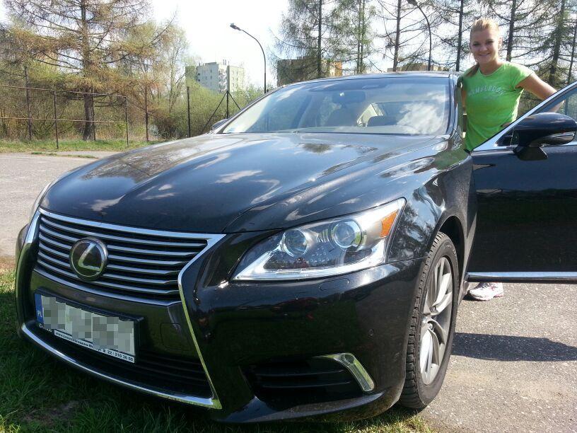 Agnieszka Radwańska i lexus LS 460