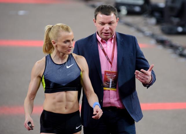 Rogowska: Rozbierana sesja? Czemu nie, ale muszę zapytać męża