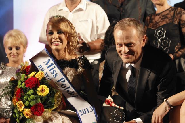 Gala Miss Polski na Wózku. Donald Tusk ze zwyciężczynią Olgą Fijałkowską