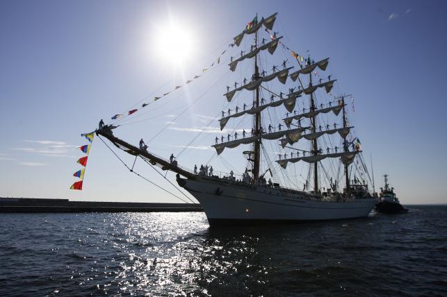 Żaglowiec ARM Cuahtemoc zawinął do portu w Gdyni