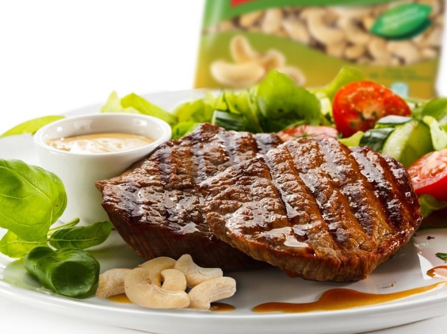 Wołowina z orzechami nerkowca i chilli
