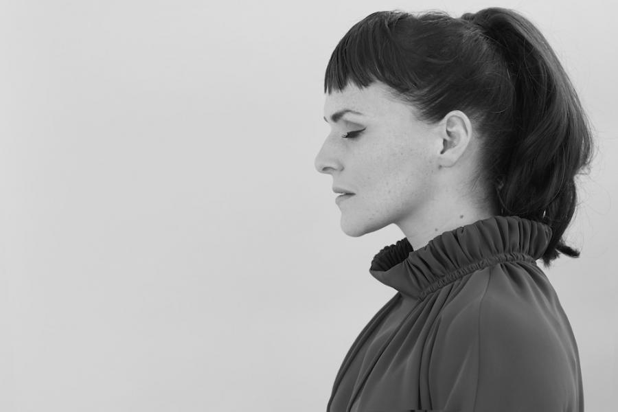Emilíana Torrini zaśpiewa w Basenie