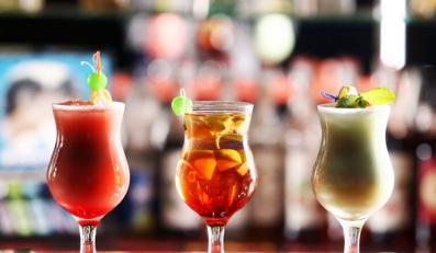 Kolorowe drinki tuczą
