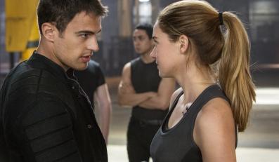 """Theo James i Shailene Woodley w filmie """"Niezgodna"""""""