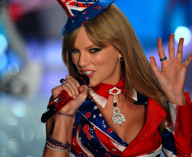 1. Taylor – 39,7 mln dolarów