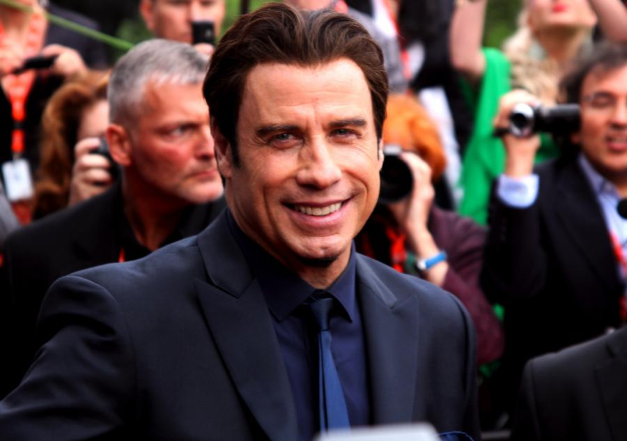John Travolta przeciwnikiem Bonda