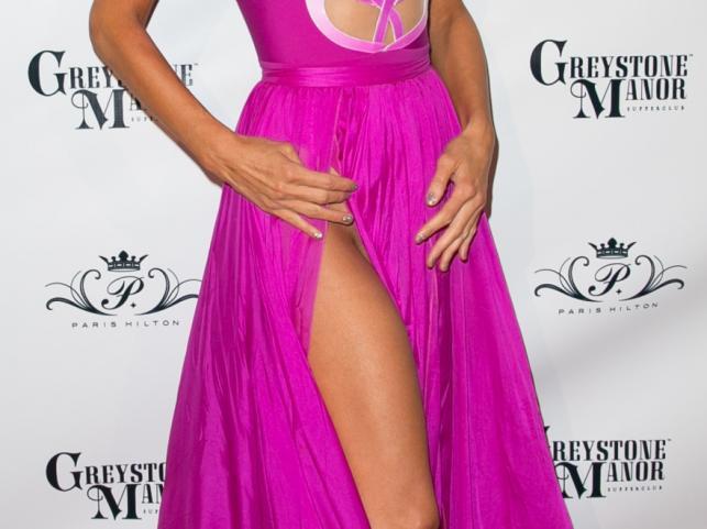 Paris Hilton bez bielizny na swoich 33 urodzinach