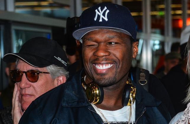 50 Cent witany na warszawskim lotnisku Okęcie