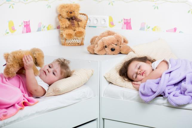 Jak urządzić wspólny pokój dla dwojga dzieci?