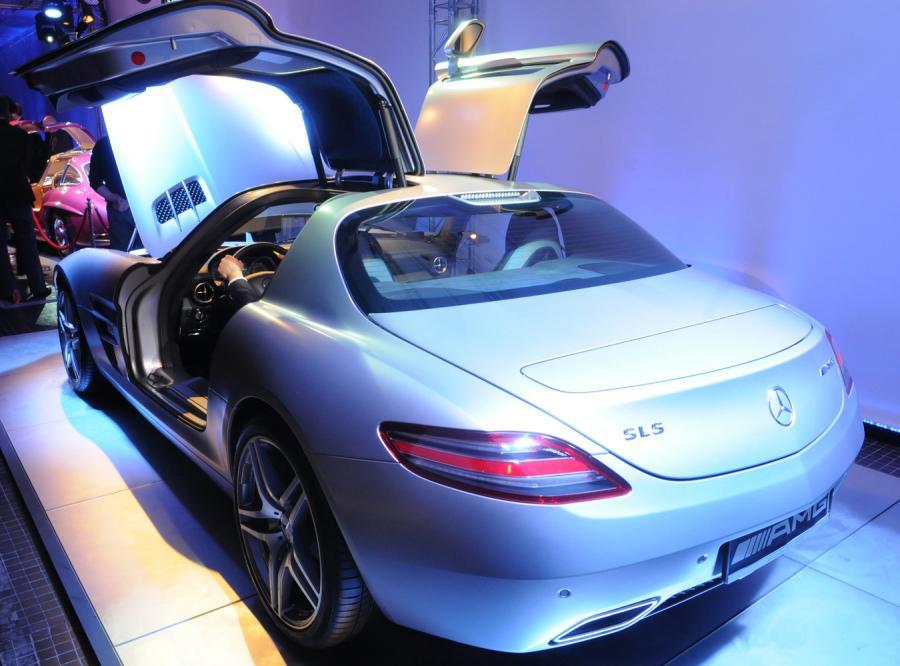 Legendarny Mercedes numer 99