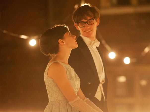 Młody fizyk Stephen Hawking z ukochaną w \