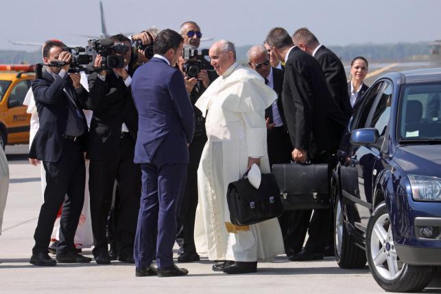 Ford focus II generacji także pełni rolę papieskiego auta