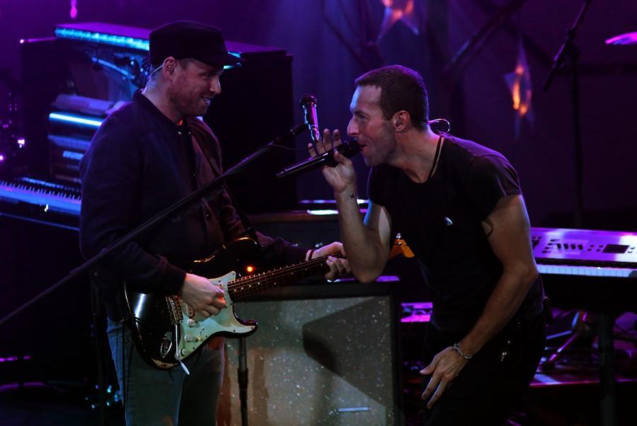 Chris Martin i Coldplay podczas występu na MTV Video Music Awards Japan