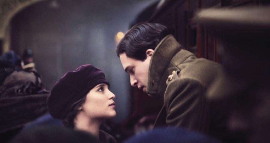 Alicia Vikander i Kit Harington w filmie \