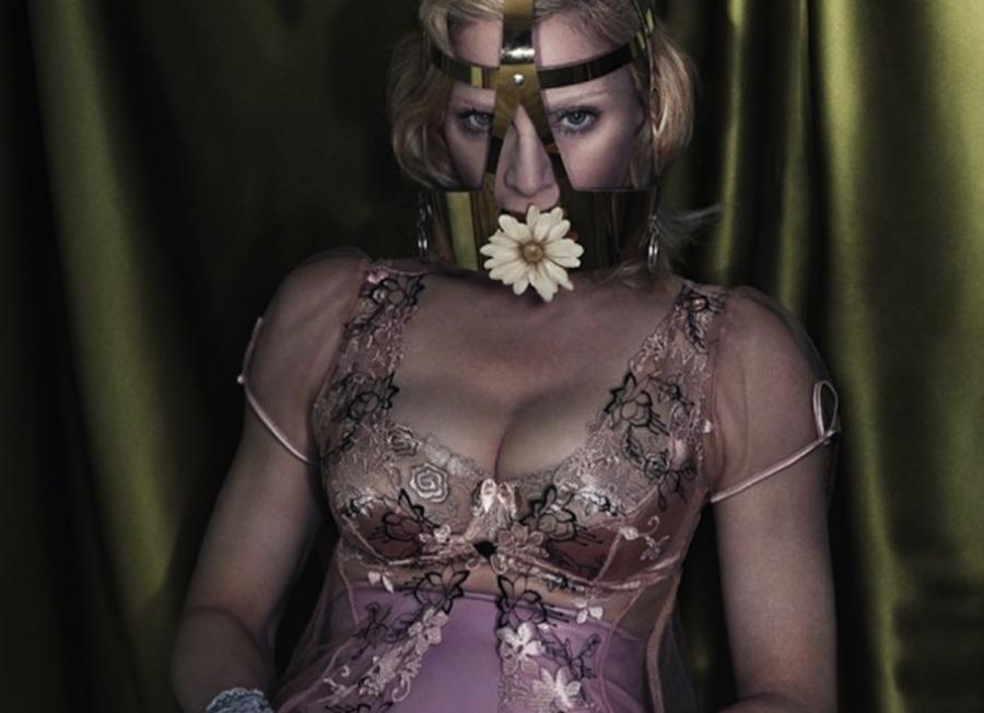 Madonna na zdjęciu z sesji dla \