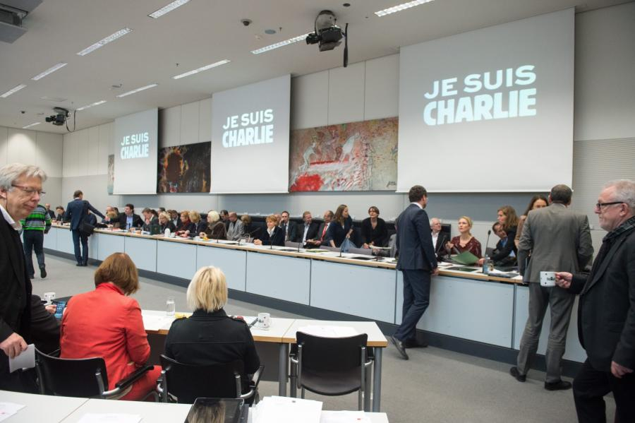 Konferencja w Berlinie. Świat w reakcji na zamach we Francji
