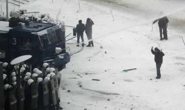 Policja walczy ze związkowcami
