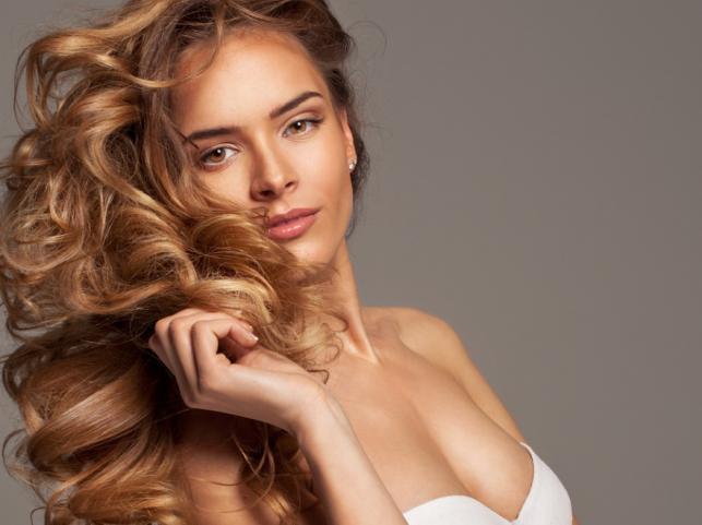 Jak odświeżyć fryzurę na wiosnę?