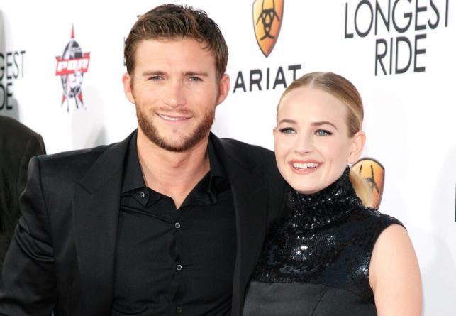 """Scott Eastwood i Britt Robertson na premierze filmu """"Najdłuższa podróż"""" w Los Angeles"""