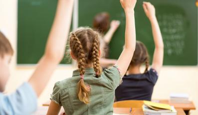 Dzieci w klasie szkolnej