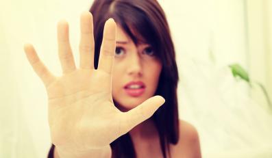 Przestraszona kobieta