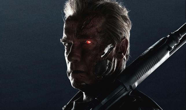 Terminator z siwizną i przykopem