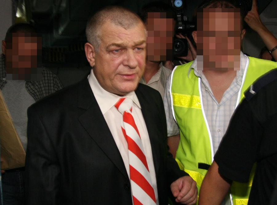 W chwili zatrzymania policja nie zabezpieczyła broni Łyżwińskiemu. Broń została skradziona