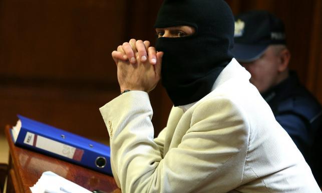 Czy to zabójca generała Papały? Kominiarki, uzbrojeni policjanci, sąd jak twierdza. ZDJĘCIA