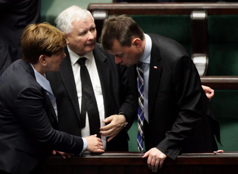 Beata Szydło, Jarosław Kaczyński i Mariusz Błaszczak w Sejmie