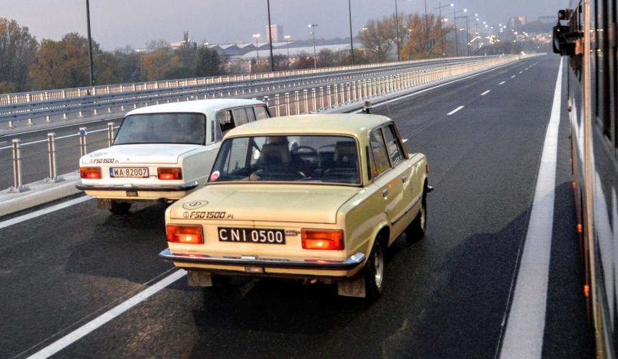Fiat 125p w wersji przedłużonej i standardowej