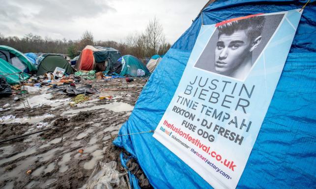 Codzienne życie we francuskich obozach dla uchodźców. [ZDJĘCIA]