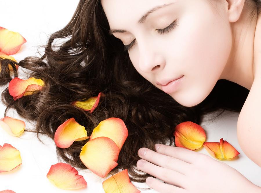 Piękne włosy pachnące latem