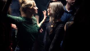 """""""Oddychaj"""" –świetny film w reżyserii znanej aktorki Mélanie Laurent"""